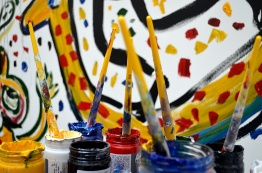 Pinceis e tintas de Liniers.